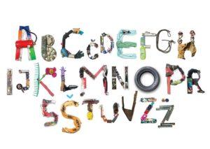 lettres formées à partir de déchets